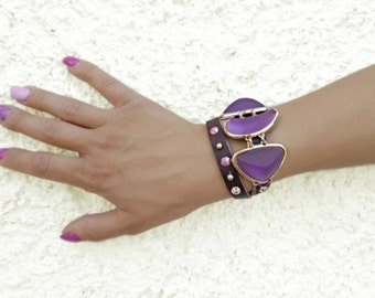 Purple leather bracelet, double wrap bracelet, studded bracelet, purple leather cuff, resin jewelry, purple gold bracelet