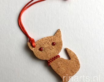 Cat keychain / cat keyfob / cat bag charm Kitten Meow in natural cork.  Gift for catlovers.  ornament
