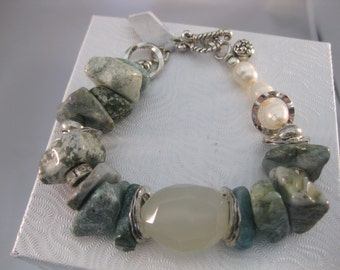 Turquoise Chunky Bracelet w/Quartz and Pearls