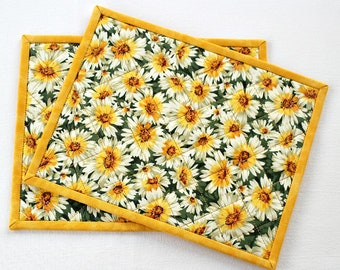 Quilted Mug Rugs, Daisies, Yellow White, Summer Snack Mat, Floral Mug Mat, Table Quilt, Set of Two, Quiltsy Handmade