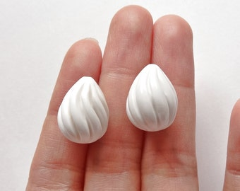 White Agate Half Top Drilled Hand Carved Fat Teardrop 12x16 to 11.5x15 mm One Pair F3201