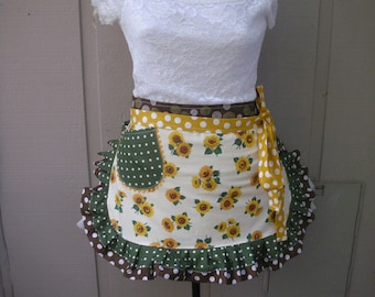 Aprons - Sunflower Womans Aprons - Womens Half Aprons - Yellow Aprons - Yellow Sunflower Aprons - Annies Attic Aprons - Green Dot Aprons