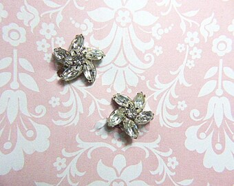 Vintage WEISS Rhinestone Clip Earrings - V-EAR-614 - Bridal Jewelry - WEISS Rhinestone Earrings - Signed Weiss Earrings