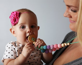 Double Berry Wood Teething Necklace / Mommy Necklace / Nursing Jewellery for Moms - Chewable Necklaces - KangarooCare