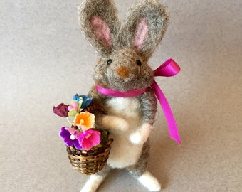 Mother's Day rabbit with basket of flowers, felted bunny, needle felted animal, spring rabbit, Spring nature gift,  gift for mom, cute bunny