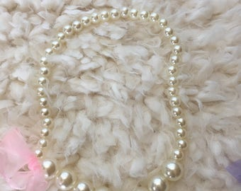 Pearl necklace for babies and toddlers, bubble gum necklace, party favors for girls