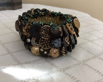 Vintage Button Crocheted Bracelet