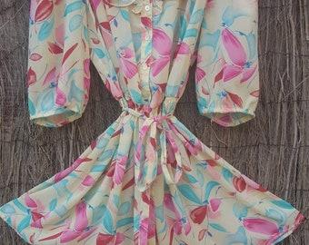 Lemon floral vintage tea dress with frill detail. Size 10