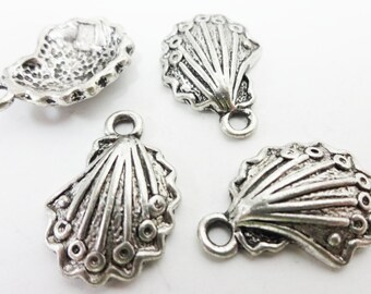 10 Shell Charms 20x14x4mm ITEM:AM16