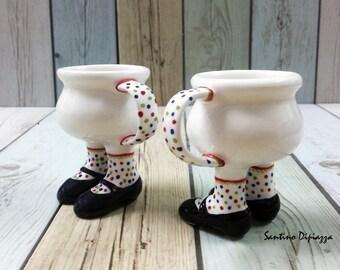 Tazzine espresso sulle gambe, camminare ceramiche, novità in ceramica, coppia di tazzine da caffè, Set di porcellana italiana, tazza di caffè carina, regali fatti a mano