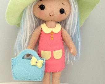 Gingermelon My Felt Doll. Little shopping Doll.Individual handmade doll. 100% Wool Felt.