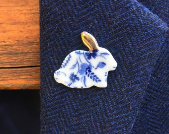 Rabbit brooch, blue and white, ceramic rabbit brooch, blue flower brooch, bunny rabbit brooch, rabbit lover gift, rabbit lapel pin