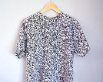 Vintage Black + White Geometric Print Short Sleeve Blouse