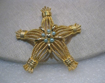 """Vintage Gold Tone Twisted Strand Star Brooch signed EXPAN with Faux Blue Pearls, 2.5"""""""