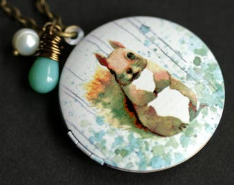 Squirrel Locket Necklace. Woodland Squirrel Necklace with Turquoise Green Teardrop and Fresh Water Pearl. Woodland Necklace. Bronze Locket.