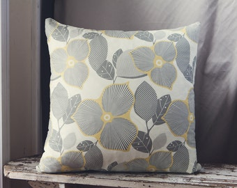 Large Amy Butler Midwest Modern Cushion Cover/pillow in Linen Optic Blossom