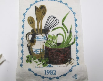 CALENDAR Towel 1982 Kitchen Tools Vintage Basket on Linen Tea Towel Kitchen Wall Hanging Teal Brown