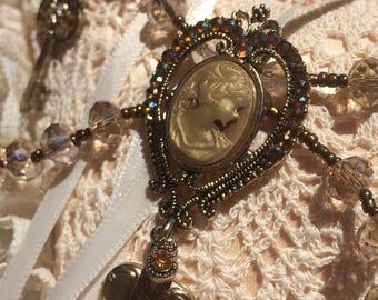 "Masterpiece ""Key to my Heart"" Scalloped Cameo Locket Necklace"