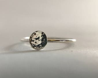 Full Moon Ring. Moon Phase Ring. Astronomy Ring.  Planet Ring.  Full Moon Jewelry. Pinky Ring. Silver Ring Hand Hammered. Dainty Stackable