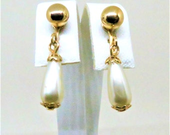 Pearl Earrings - Vintage, Sarah Coventry Signed, Imitation Pearl Dangles, Clip on