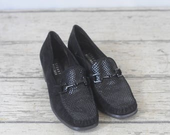 Stuart Weitzman 8.5B Black Suede and Leather Shoes Good Cond.