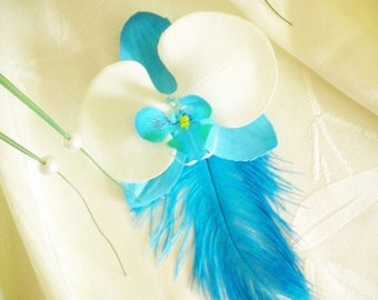 Artificial Orchid hair clip / turquoise and white feathers