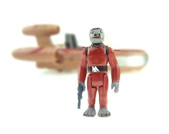 Star Wars Snaggletooth With Bonus FREE Blue Smuggler Blaster