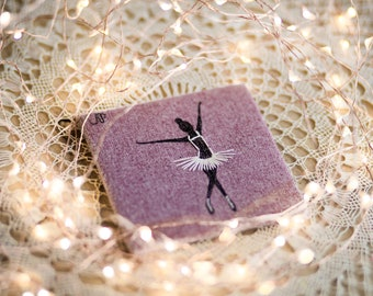 ballerina V - drawing with thread on tiny canvas