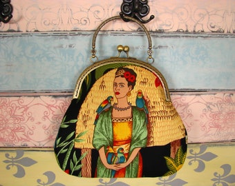 Vintage evening clutch purse with Frida, kiss lock purse, metal frame purse, purse with handle