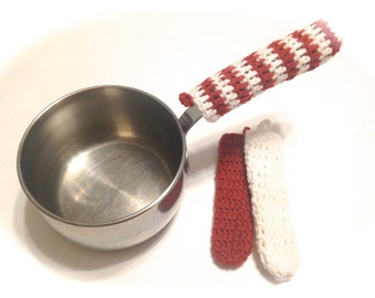 Trio Of Crocheted Ranch Red And White Pot Handle Covers