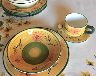 Vintage Casa Vero Place Setting, Country Sunflowers