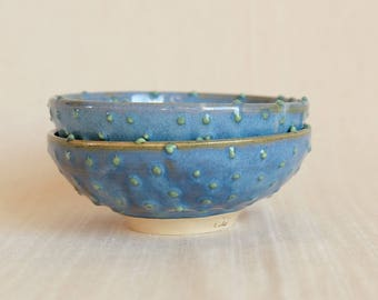 Small blue dish // Green dotted nibble bowl // Jewellery holder with dots // Ring dish // Wheel thrown stoneware // Handmade ceramics