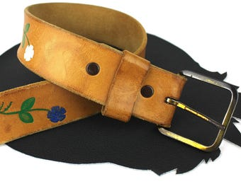 Caramel Brown Leather Belt with Painted White Blue & Red Flowers size US 34