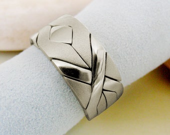 SOLIDER MATTE - Unique Puzzle Rings by PuzzleRingMaker - Sterling Silver or Gold - 4 Bands