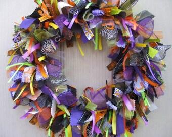 Halloween Wreaths, Halloween Decorations, Halloween Trick or Treat Wreath, Halloween Party Wreath, Fall Wreaths, Halloween Fall Decor
