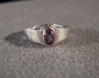 Vintage Sterling Silver Fashion Ring with Inlaid Oval Faceted Amethyst and Fashionable Wide Band, size 7                 M