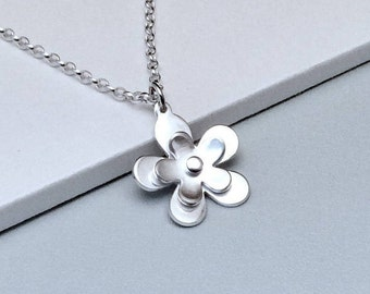 Sterling silver flower necklace, Flower pendant, Handmade silver necklace, Birthday gift, Gift for sister, Gift for mum, friendship gift,
