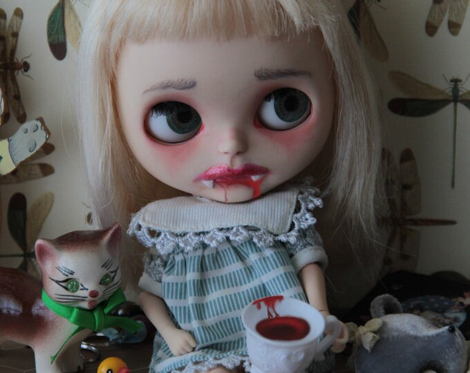 Chlöe The Little Vampire –  Ooak Custom Factory Blythe Doll