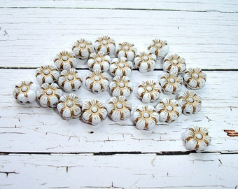 10 Tiny White Czech Glass Beads Pansy Flower Beads 8 mm
