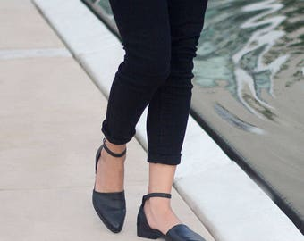 Black Slip Ons, Black Leather Shoes, Loafers, Black Shoes, Flat Shoes, Leather Shoes, Closed-toe, Leather Flats, Ankle Strap, Women Shoes
