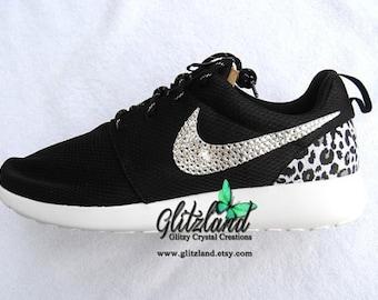 Swarovski filles Nike noir & blanc Nike Run Roshe w/guépard impression  talon Blinged avec