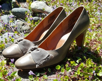"""I. Magnin """"Manor-Bourne"""" Taupe Pumps Size 6 1/2 Narrow"""