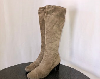 Sz 7 M Vintage Tall Light Brown Genuine Suede/Leather 1980s Women Zip Up Stack Heel Boots.