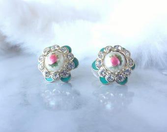 Vintage Floral Earrings/ Stud Earrings/ Flower Earrings/ Rhinestone Earrings/ Vintage/ Vintage Flower