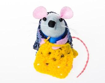 Crochet Mouse Ornament gift for grandma grandmother mom mum wife girlfriend sister aunt felt rat hamster cute gift for Crocheter  - Lacey