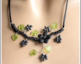 "Necklace black and green floral ""custom"""
