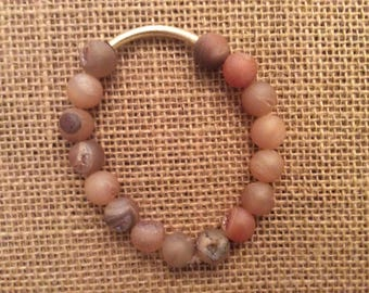 Natural peach beads with gold bar bracelet