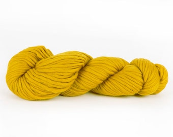 Super chunky yarn. Mustard yellow CHEEKY CHUNKY super bulky merino wool. Giant big extreme knitting. Y055
