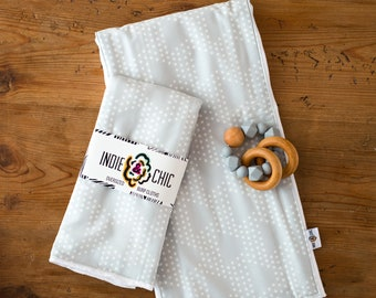 Indie & Chic Oversized Burp Cloths - Baby Gift Set - Changing Pad - Head Pad -  Spring Summer Collection - Gray Strata