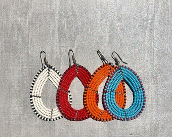 Hand beaded Earrings - Massai horn shape. 4 colors available
